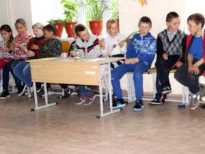 В Нязепетровском районе работает лагерь экологического профиля