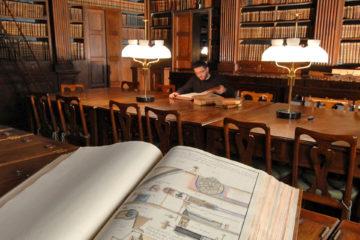 А. Текслер поздравил южноуральцев с Днем библиотек