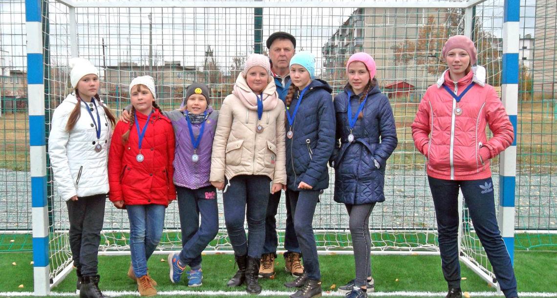 Футболистки из Нязепетровска