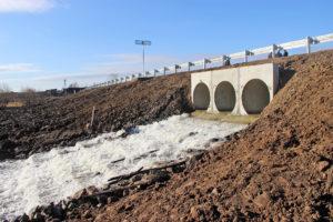 Плотина Гривенского пруда в Нязепетровском районе