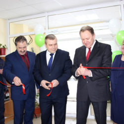 Службы соцзащиты Нязепетровского района отметили новоселье