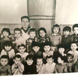 Воспитанники и работники детсада в д. Аптрякова Нязепетровского района