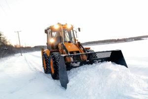 Уборка снега на дорогах Нязепетровска