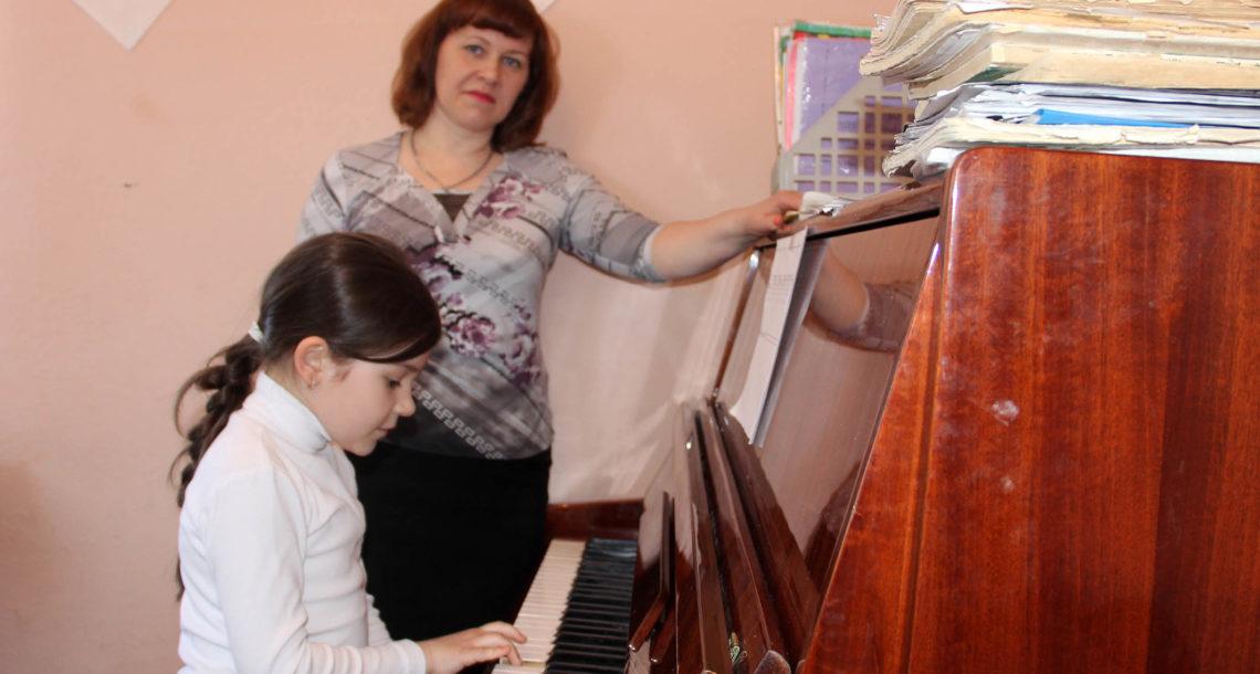 Е.В. Корекова, выпускница и педагог ДШИ г. Нязепетровска