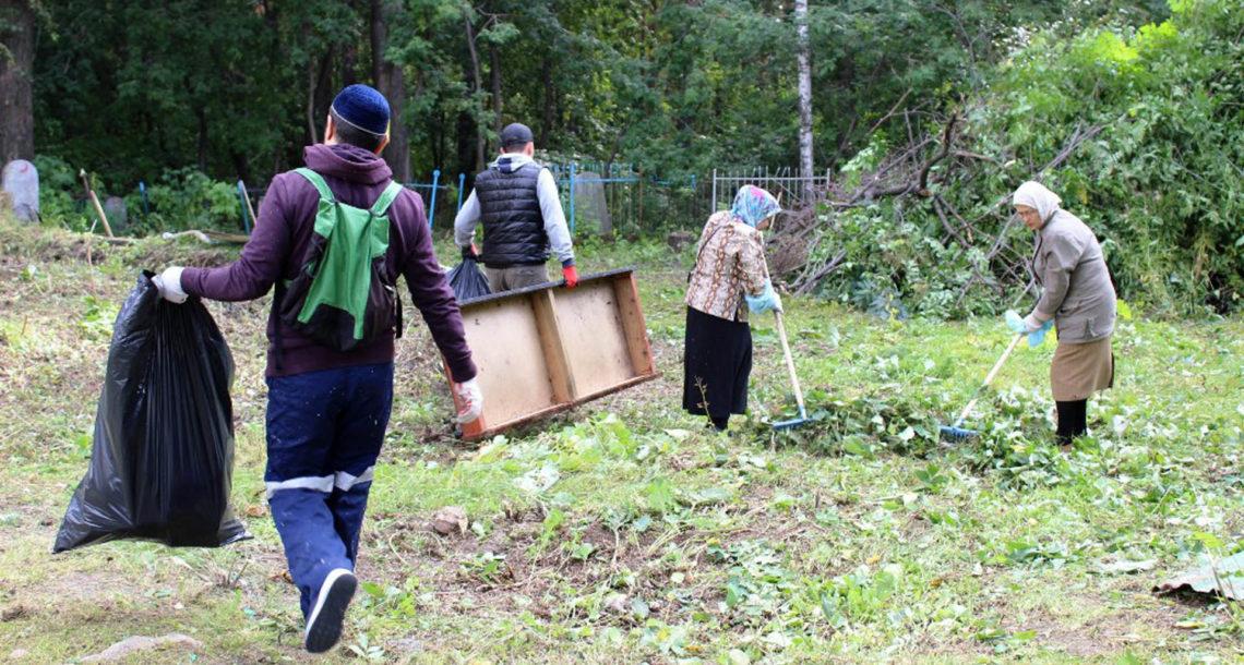 Впервые на кладбище в Нязепетровске родные покойного забыли ритуальные принадлежности