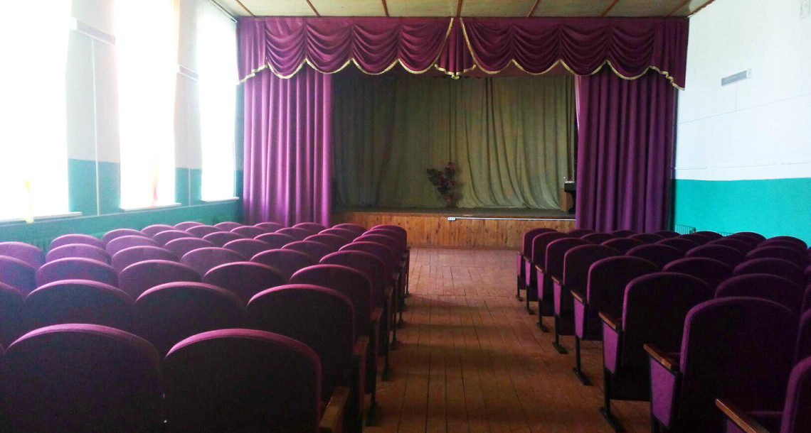 Новые кресла в клубе д. Аптрякова