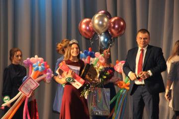 Д. Карманова, победитель конкурса «Мисс старшеклассница»