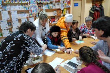 Т.Н. Гусева щедро поделилась семенами с нязепетровцами