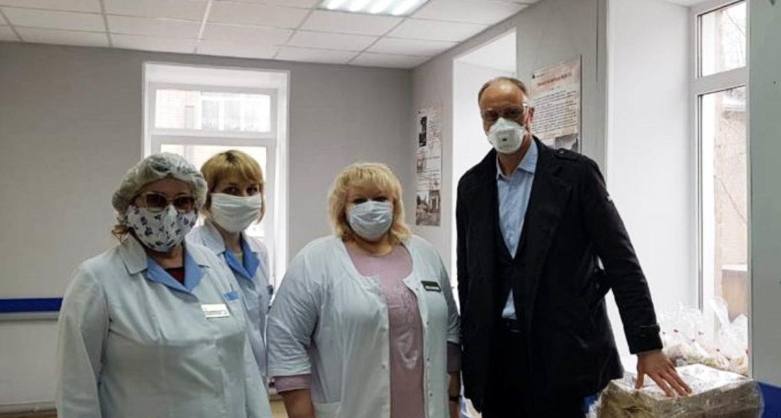 О. Голиков встретился с медиками Нязепетровска