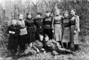 А.Ф. Постникова из Нязепетровска на Ленинградском фронте
