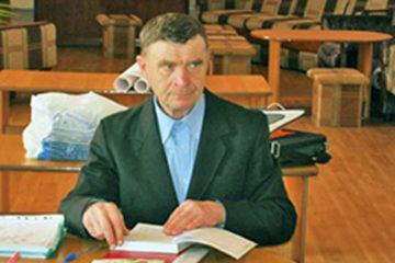 В.Ф. Бычков с книгами дружит всю жизнь
