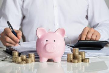 Хватает ли южноуральцам денег на жизнь?