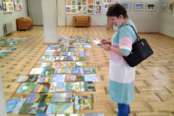 Оценка работ участников конкурса рисунков в Нязепетровске