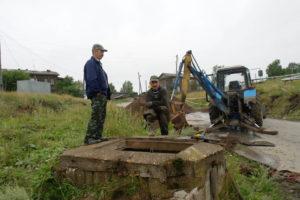 Ремонт водопровода в железнодорожном микрораойне
