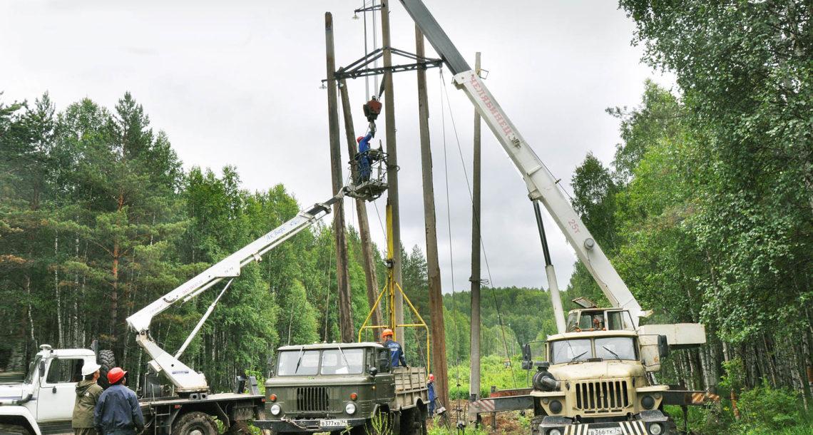 Замена опоры ЛЭП в Нязепетровском районе
