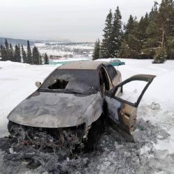 Автомобиль загорелся в Нязепетровске