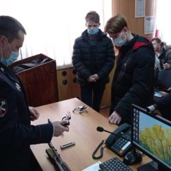 Студенты в гостях у полицейских