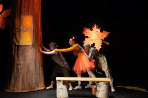 Спектакль про ежика и межвежонка покажут в Нязепетровске