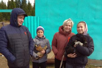 Жители Нязепетровского района помогают приюту как могут