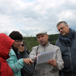 Н.М. Кислов проводит экскурсию для исследователей